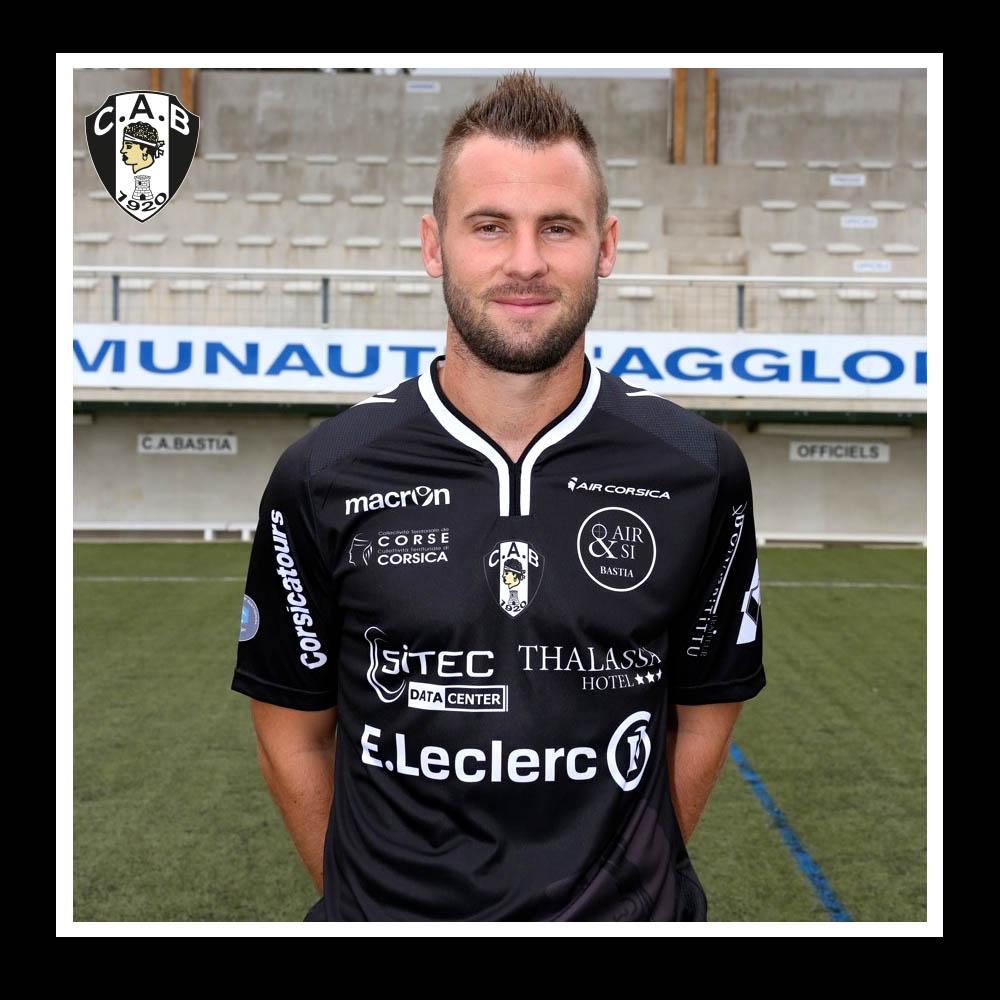 http://www.ca-bastia.com/football/wp-content/uploads/2013/07/thibaut-bourgeois.jpg